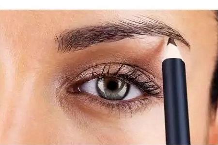 纹眉的人越来越多